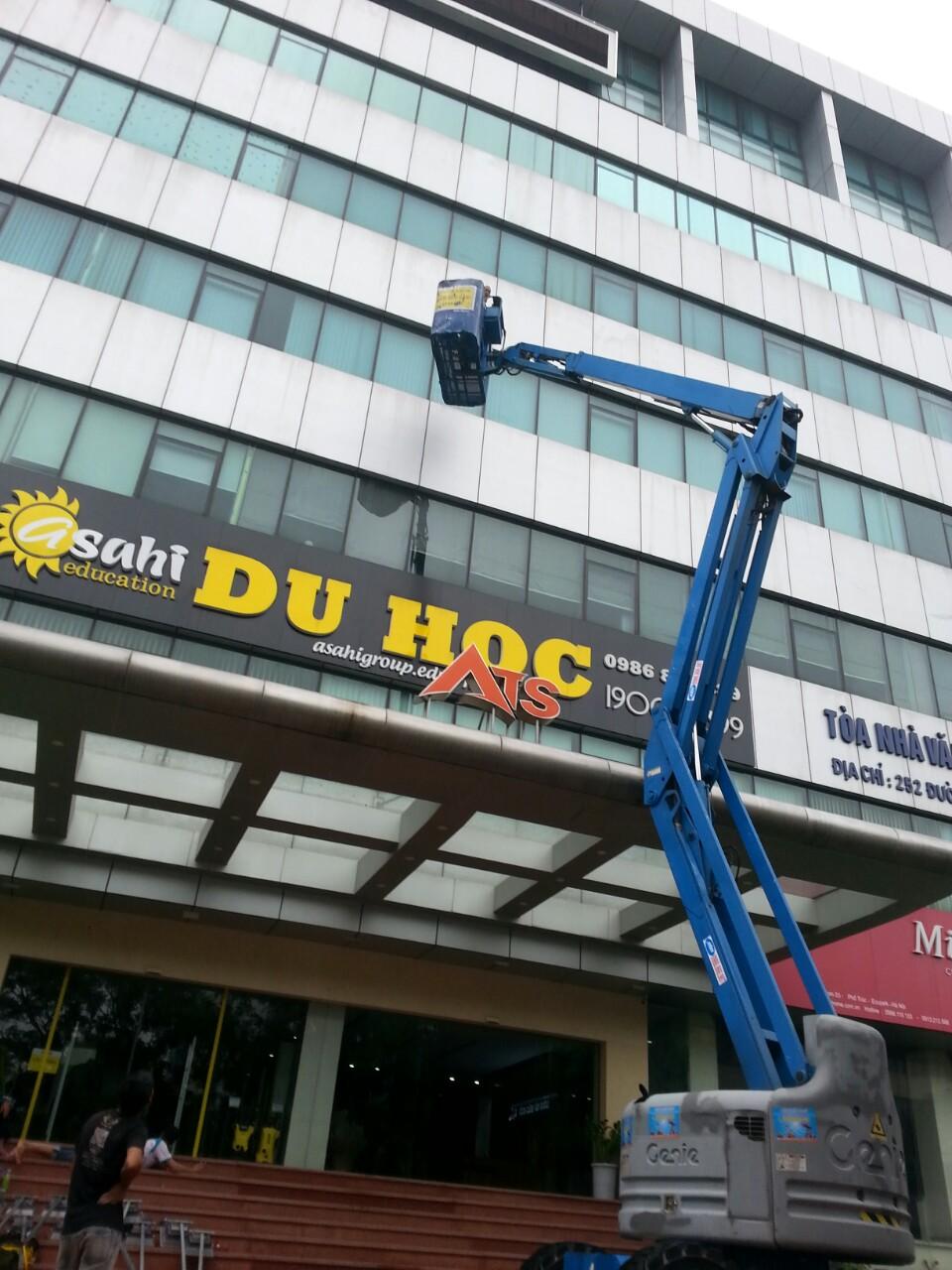 Cho thuê xe nâng người tại Hà Nội