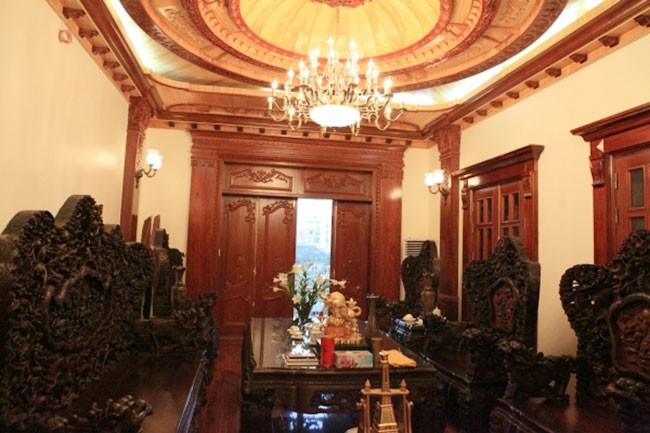 Vì sao chọn trần gỗ phòng khách đẹp tại Quang Phú?