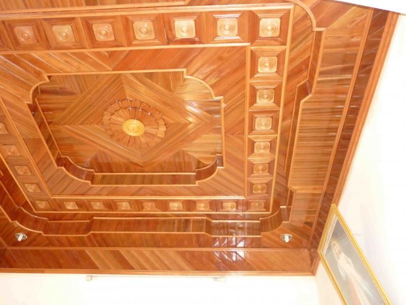 Trần gỗ đẹp cho ngôi nhà thêm phần sang trọng