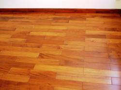 Yếu tố quyết định đến giá trần gỗ đỏ