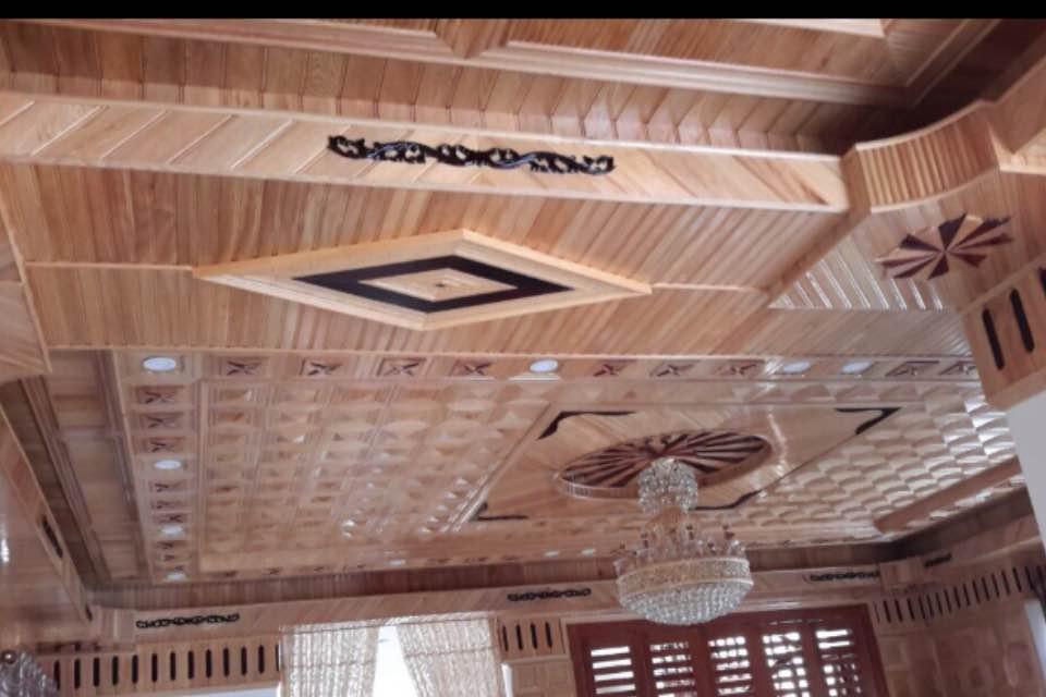 Trần gỗ pơmu tam cấp