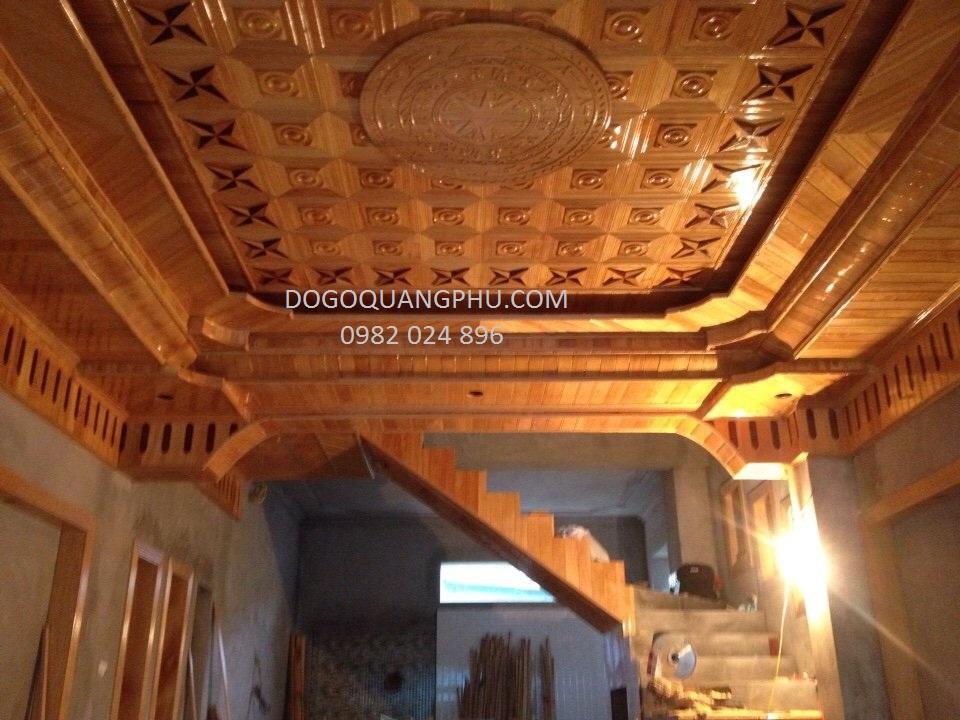 Tại sao trần gỗ đỏ lại được ưa chuộng sử dụng hiện nay