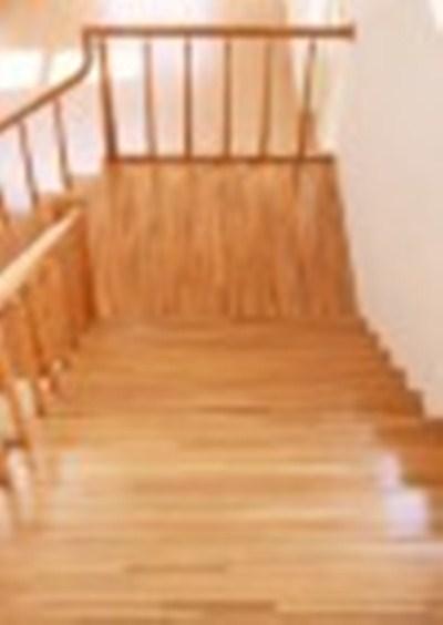 Mặt bậc cầu thang gỗ Giáng Hương lào