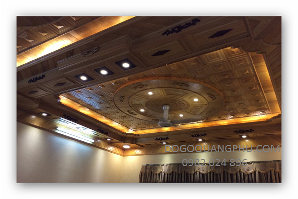 Trần gỗ hiện đại mang đến vẻ thanh lịch sang trọng cho ngôi nhà