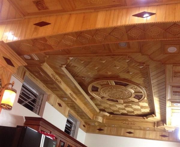 Biệt thự sang trọng với mẫu trần gỗ đẹp ấn tượng