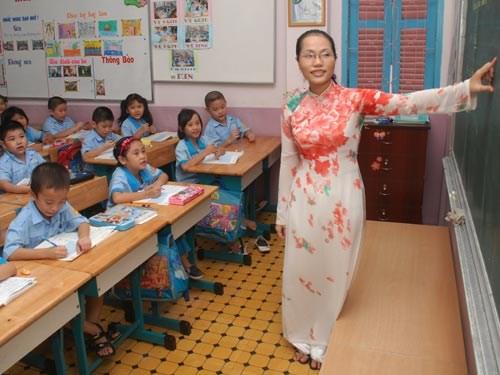 Cách tính lương Giáo viên tiểu học theo thông tư 21/2015