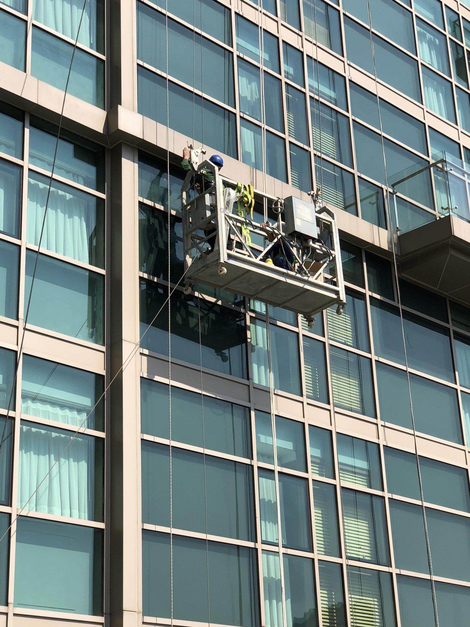 Dán phim bảo vệ Safety 4mil cho khách sạn intercontinental saigon
