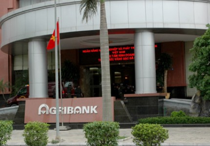 Dán mã phim Silver Gray NTECH tại agribank chi nhánh Nam Hà Nội