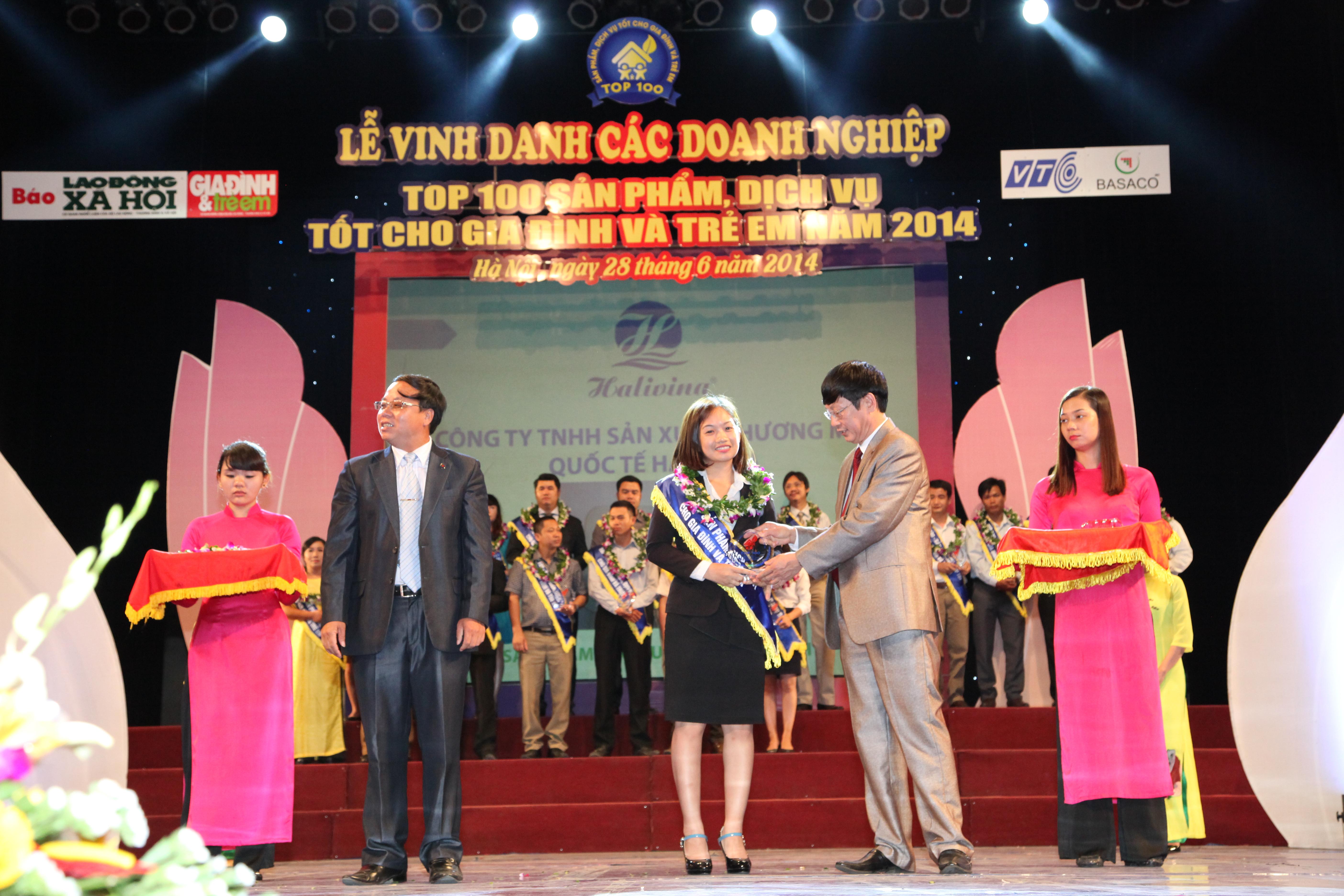 Halivina nhận giải thưởng Top 100 do người tiêu dùng bình chọn 2014