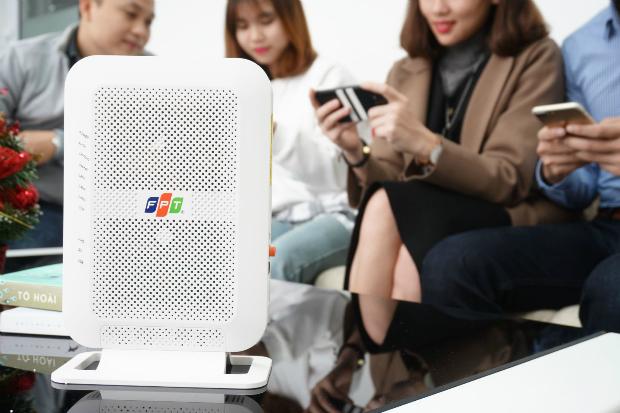 FPT Telecom tiên phong trang bị Modem Wi-Fi băng tần kép với công nghệ vượt trội dành cho tất cả khách hàng đăng ký mới dịch vụ Internet cáp quang.