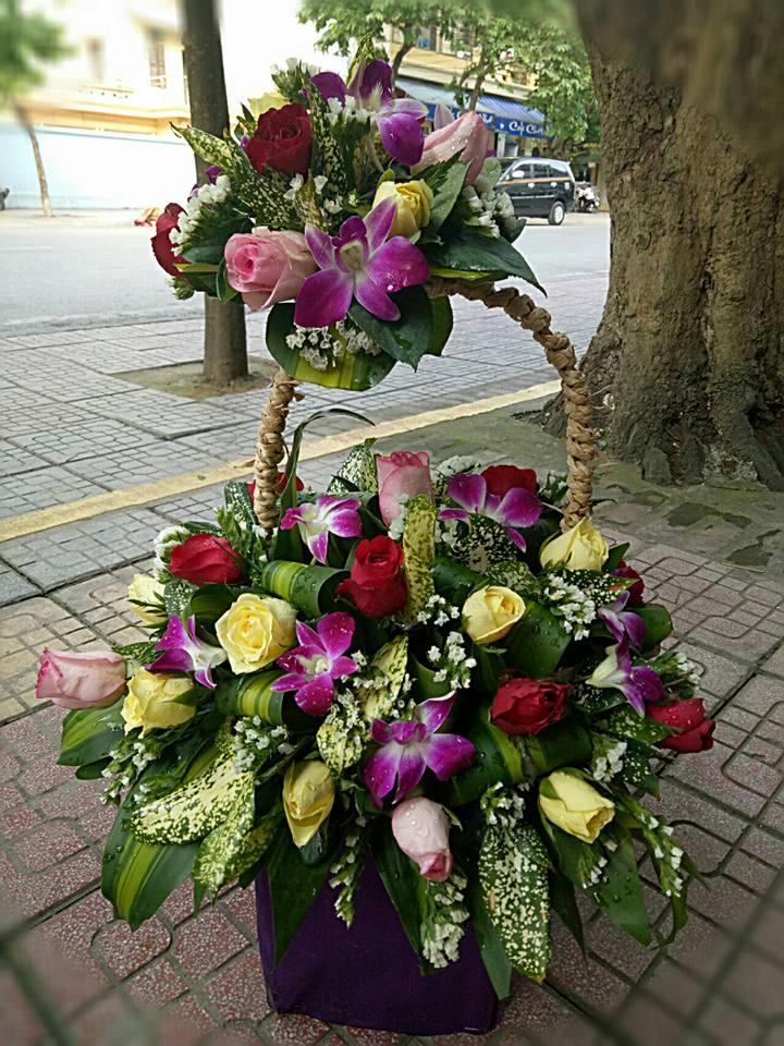 Hoa Chúc Mừng CM18
