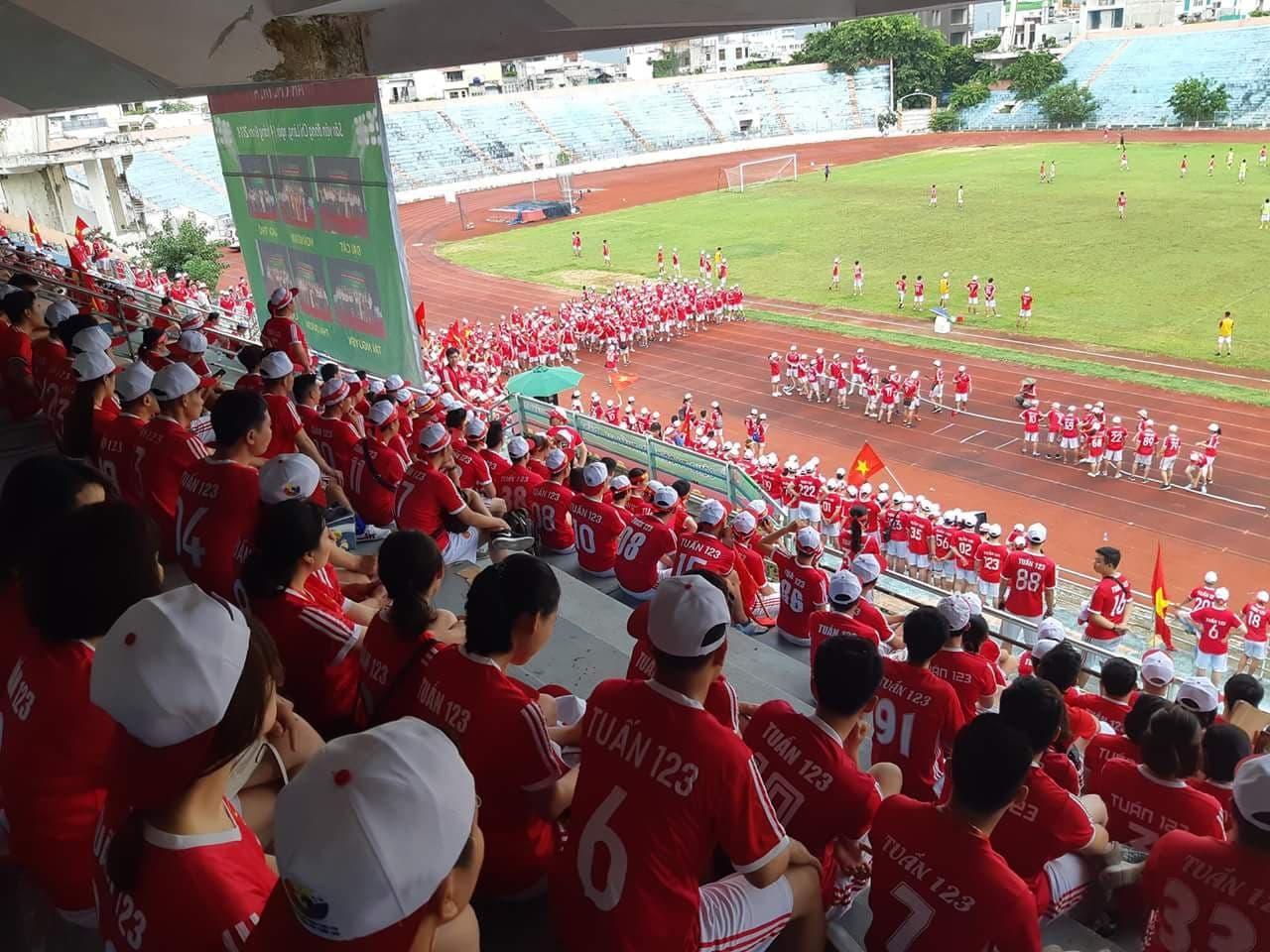 Đại hội thể thao Tuấn 123 tại sân vận động Chi Lăng - Đà Nẵng hơn 1000 người thành viên Công ty tham dự