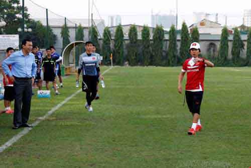 Tuyển U21 Việt Nam thắng 2-1 tuyển mạng Viettel