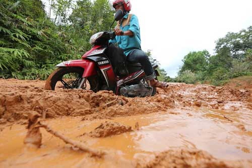 Hai con đường ở xã nghèo Quảng Nam