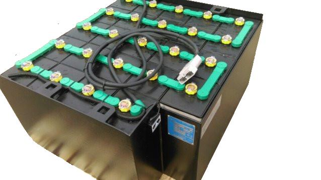 Bình điện xe nâng HITACHI 485Ah VSDX485MH có hệ thống châm nước cất tự động