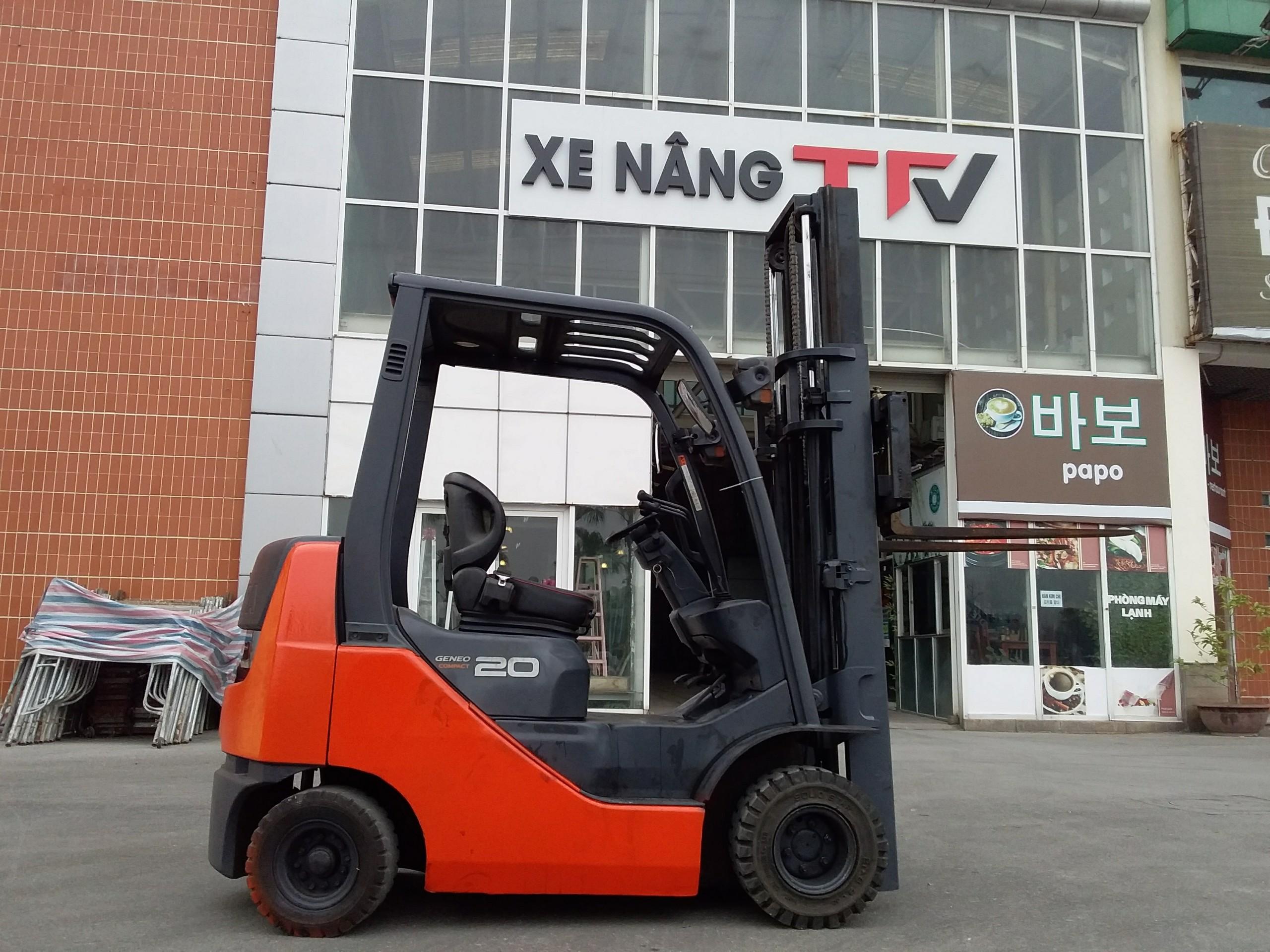 Xe nâng Toyota 2,0 tấn,đã qua sử dụng, Model 02-8FDK20, Số Khung 8FDK30-10153, bảo hành dài hạn, hàng có sẵn tại TFV Mê Linh Plaza