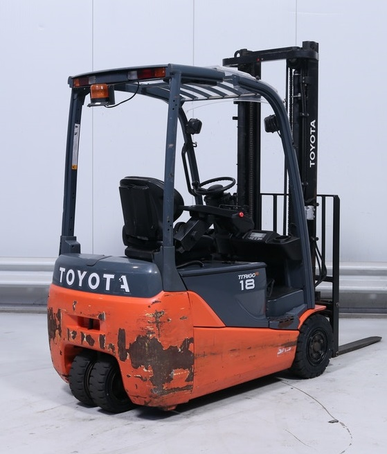 Xe nâng điện Toyota 8FBE18 V3700 2012