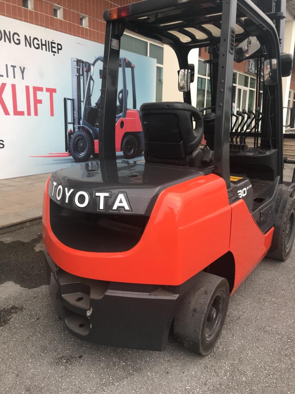 Xe nâng Toyota 3T 52_8FD30 V4000 2013 34718