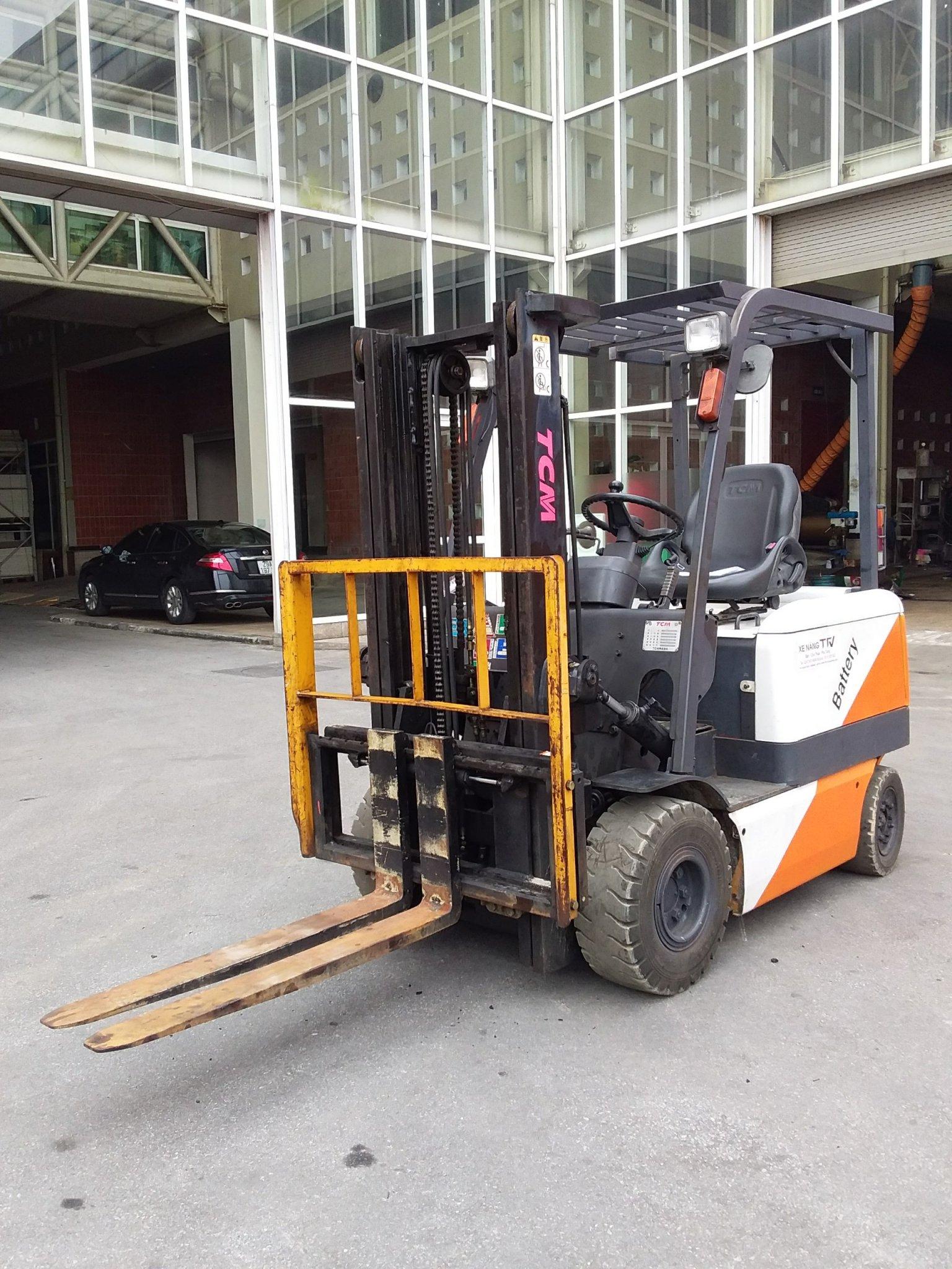 Xe nâng điện TCM 2,0t, v3000, 2001, Model FB20-6, Số khung 77L02211, Giá tốt cho người dùng cuối, sẵn hàng tại TFV Mê Linh Paza