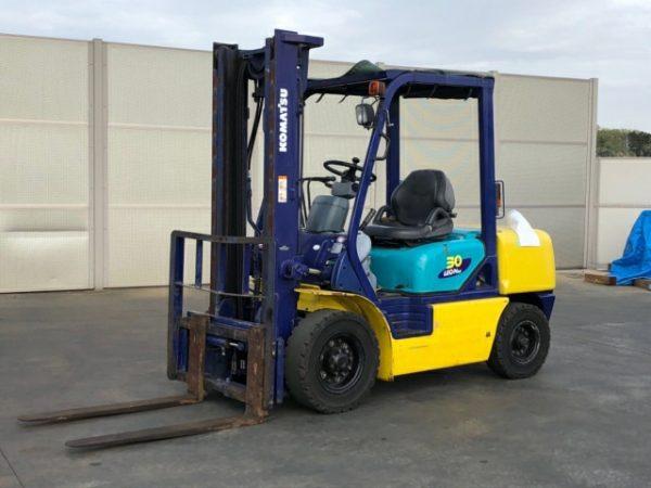 Xe nâng dầu 3 tấn Komatsu FD30HT-12