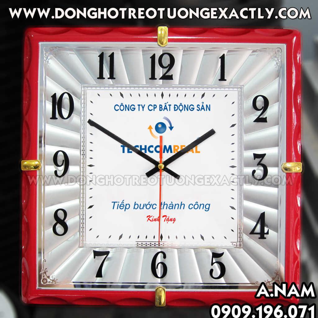 sản xuất đồng hồ treo tường quà tặng công ty bất động sản techcomreal