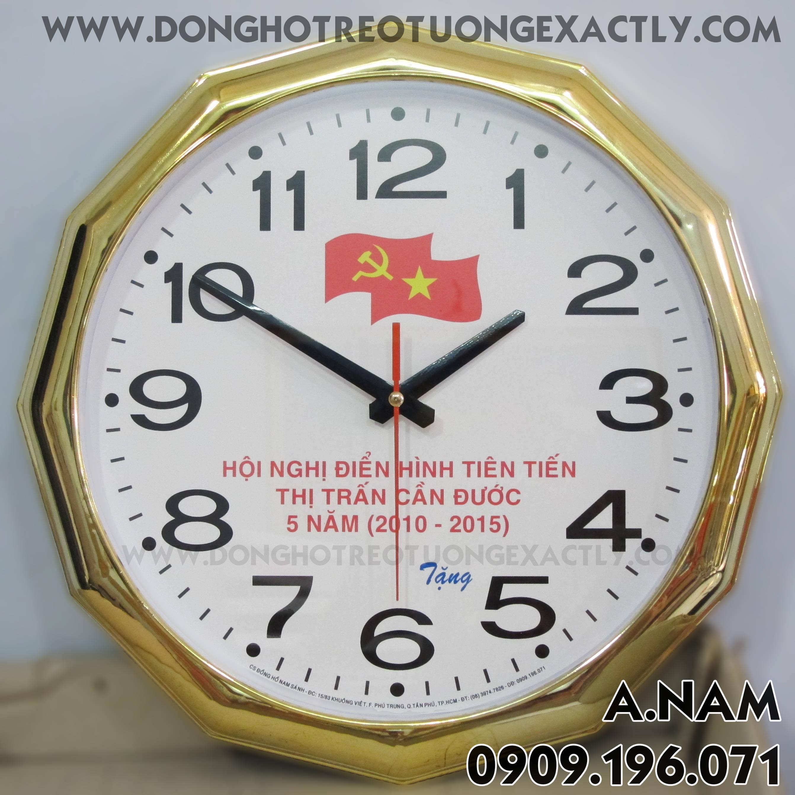 đồng hồ treo tường Hội nghị điển hình tiên tiến thị trấn cần đước