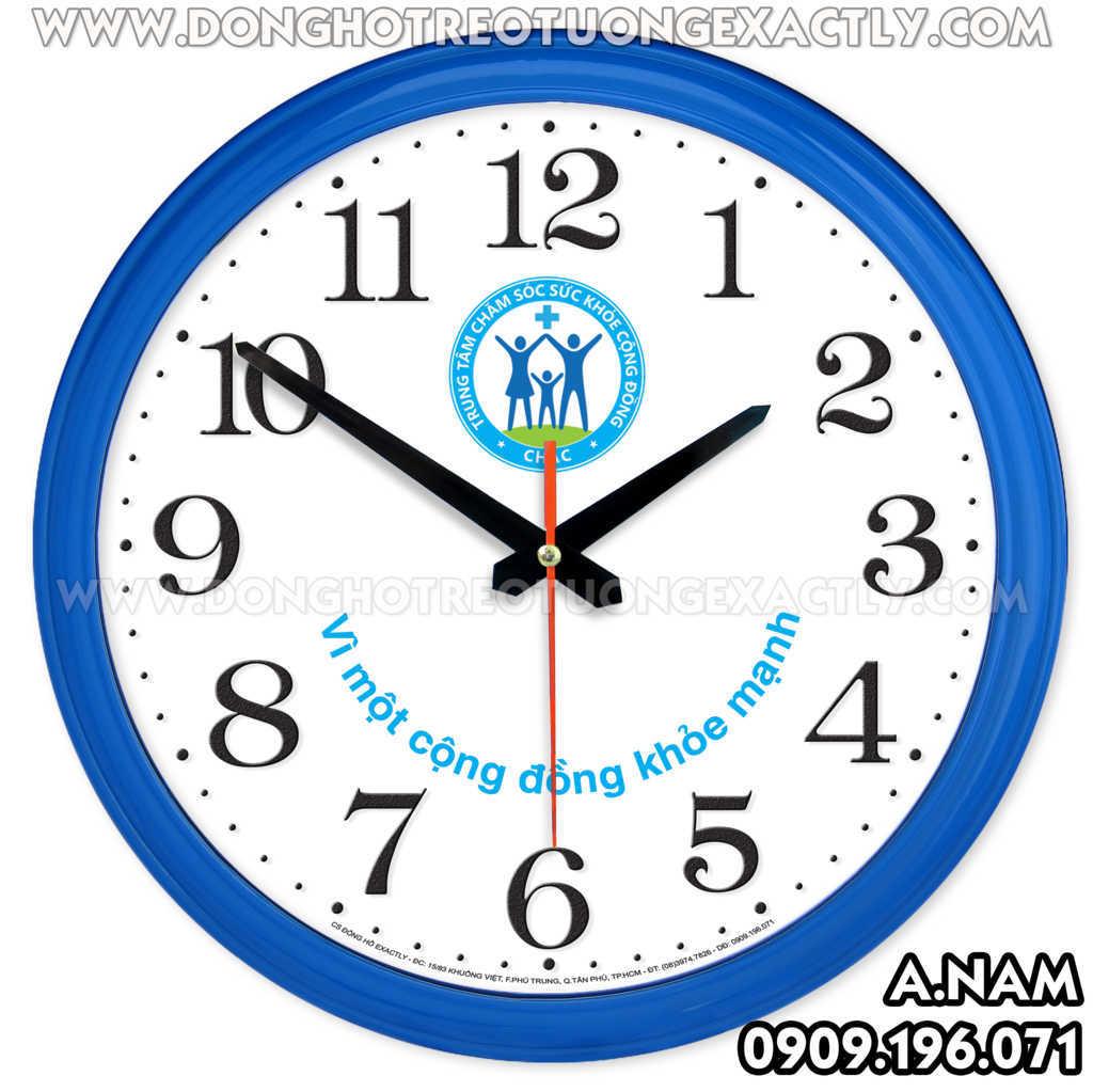 đồng hồ quà tặng treo tại bệnh viện nha khoa