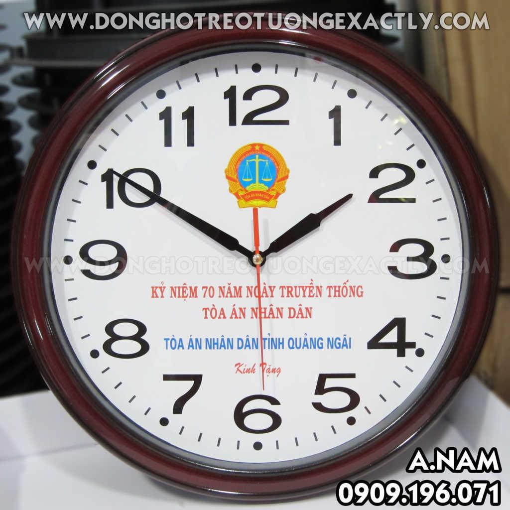 đồng hồ treo tường tặng tòa án nhân dân