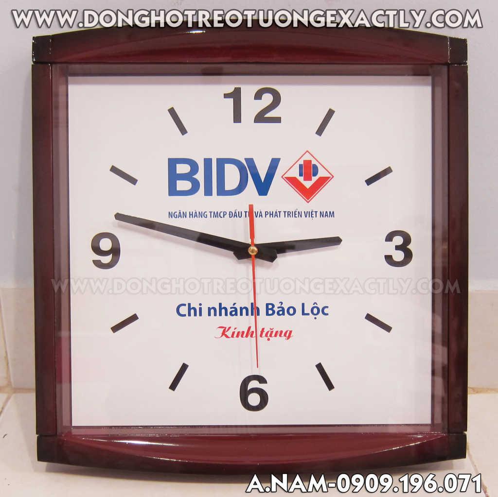 đồng hồ treo tường tại BIDV