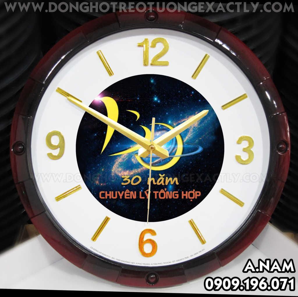 đồng hồ quà tặng kỷ niệm lớp học
