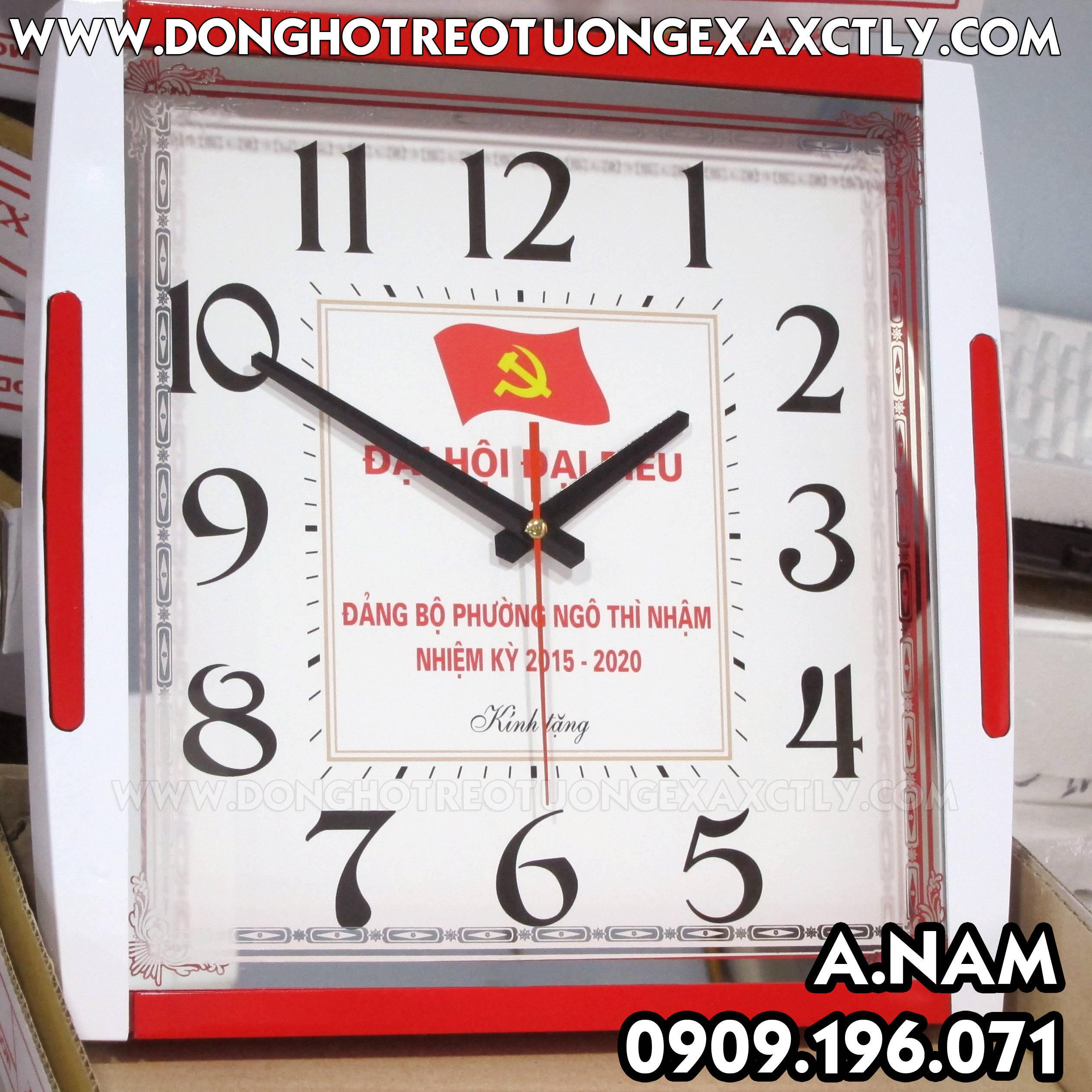 các đồng hồ treo tường tặng kỷ niệm Đại hội đại biểu phường Ngô Thị Nhậm