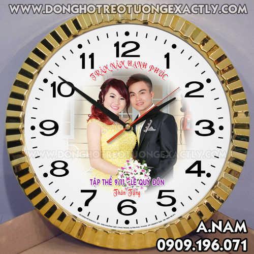 Đồng hồ treo tường làm quà kỷ niệm tặng tiệc cưới, đám cưới