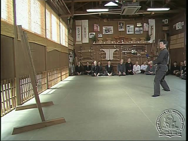 Masaaki Hatsumi - Hidden Weapons and Shuriken Techniques - screenshot 3
