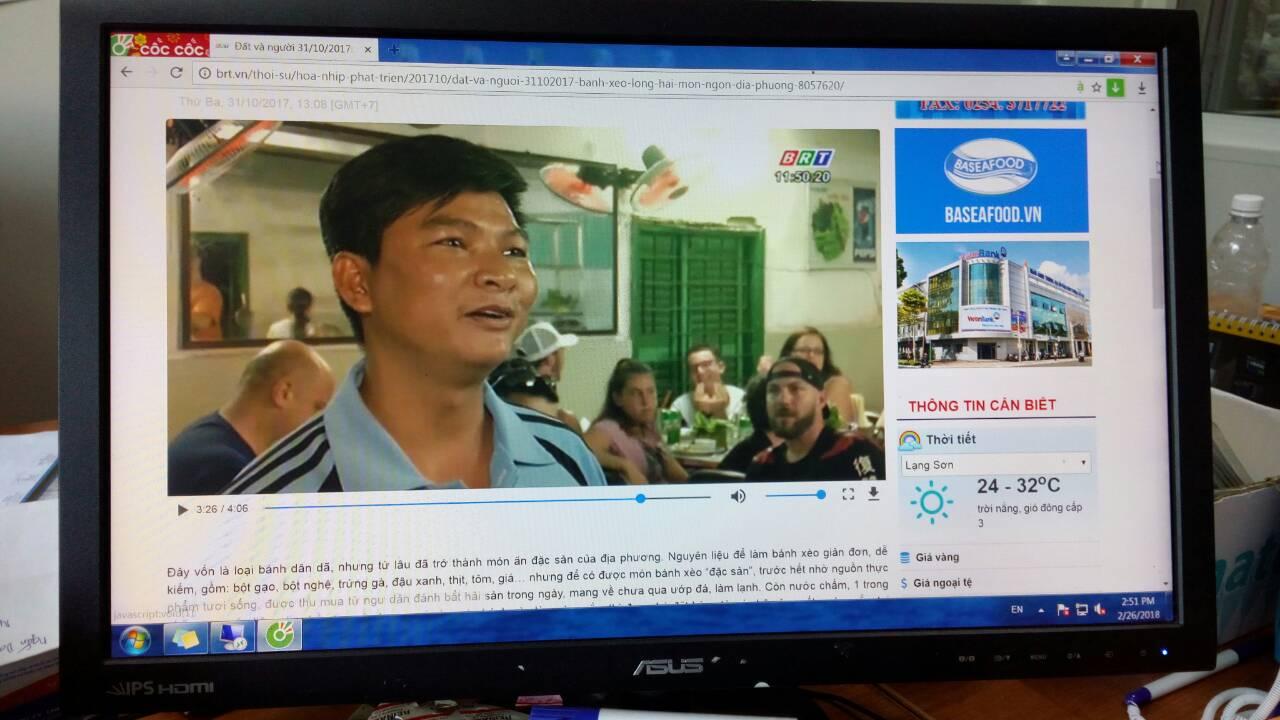 Đài truyền hình BRVT phỏng vấn Đoàn Vovinam Pháp ăn Bánh xèo Long Hải.