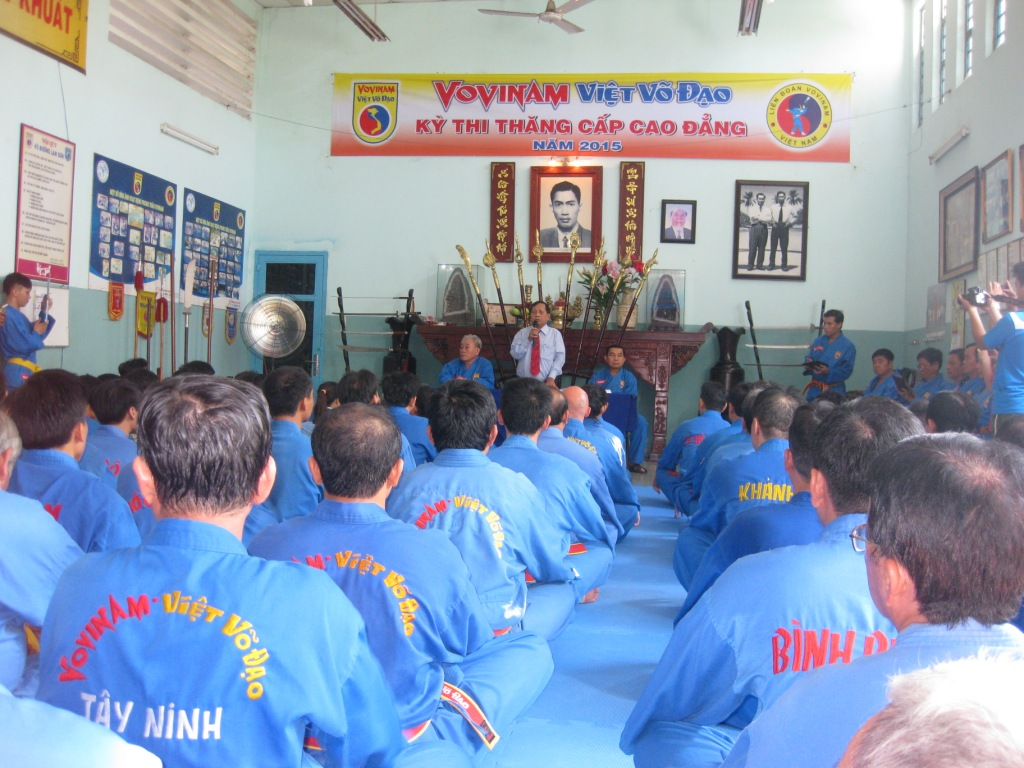 Kỳ thăng đai cao đẳng kỷ lục của môn phái Vovinam – Việt Võ đạo ! Passage de grade supérieur en record de l'Ecole Vovinam – Việt Võ đạo !