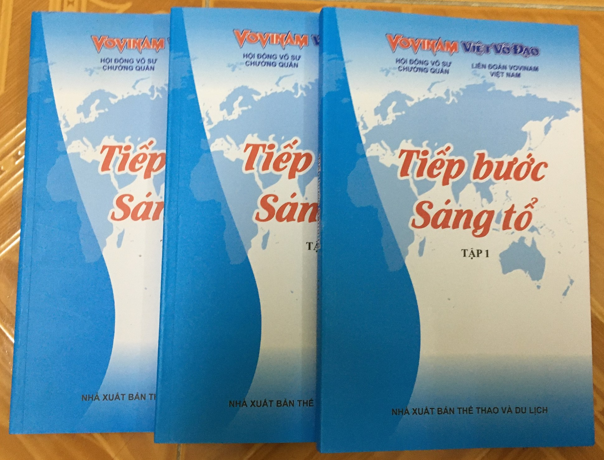 "SÁCH MỚI TẬP 1 ""TIẾP BƯỚC SÁNG TỔ"" - THE NEW EDITION 1 ""IN THE FOOTSTEPS OF THE FOUNDING MASTER""- NOUVELLE ÉDITION 1 ""SUR LES TRACES DU MAITRE FONDATEUR""."