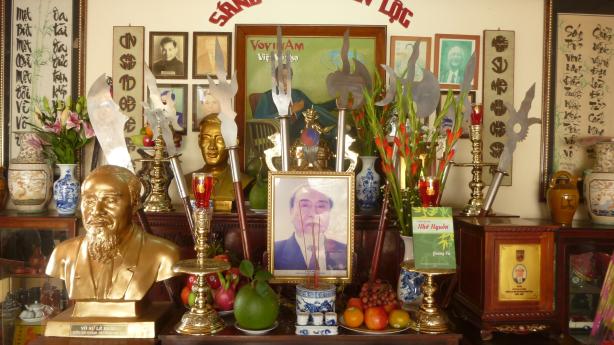 Lễ giỗ Sáng Tổ Nguyễn Lộc lần thứ 58 & Vinh thăng Hồng đai 2018 - Le 58ème Anniversaire de la mort du Fondateur Nguyễn Lộc & Remise d'honneur des Ceintures Rouges en 2018.