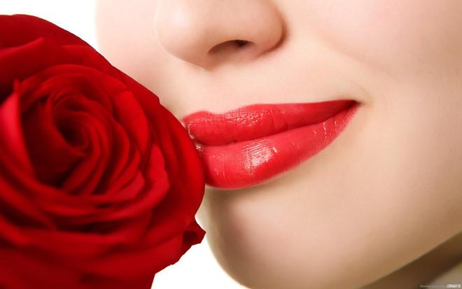 Phun xăm môi làm đẹp và những lưu ý cần biết