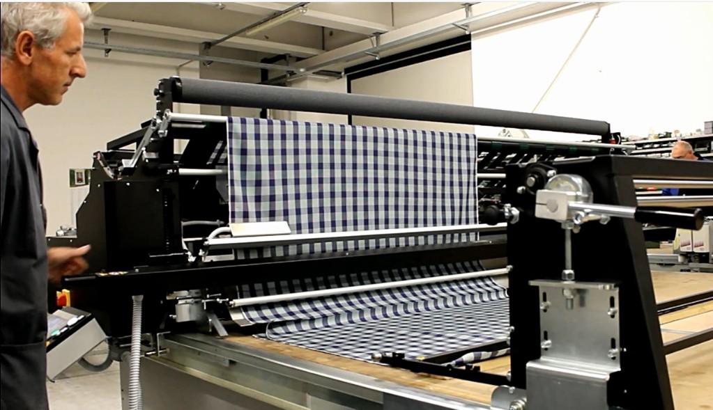 Máy trải vải bán tự động