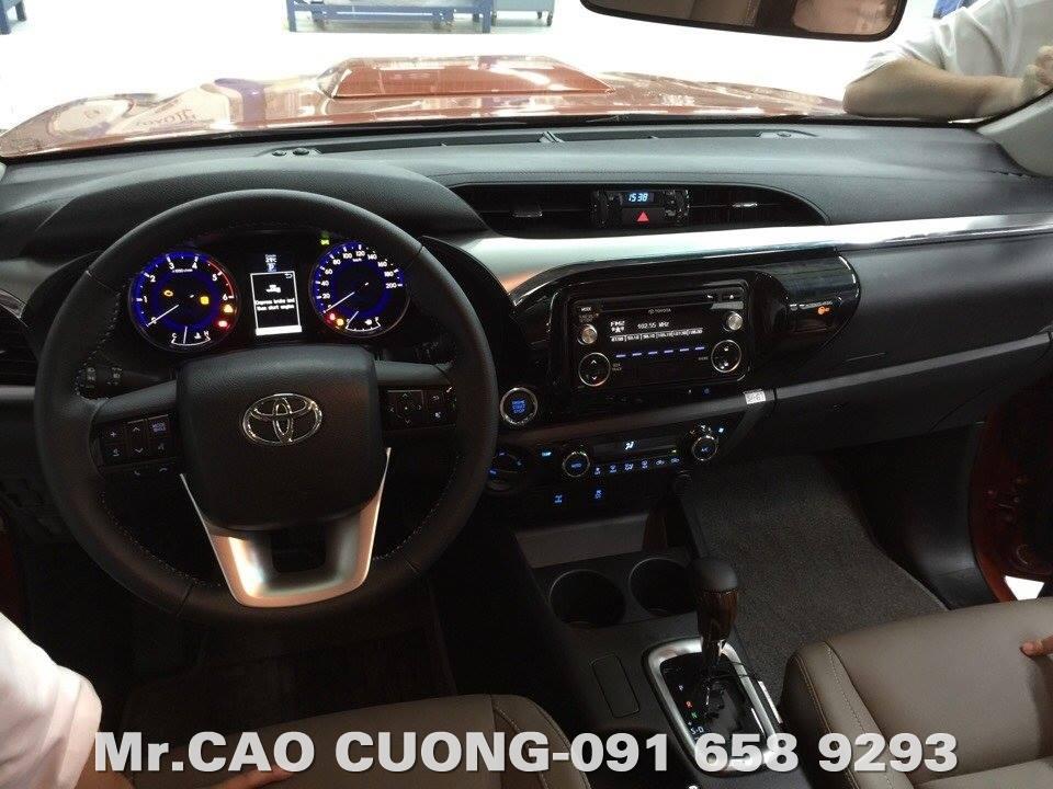 Nội thất Toyota Hilux 2016 Việt Nam