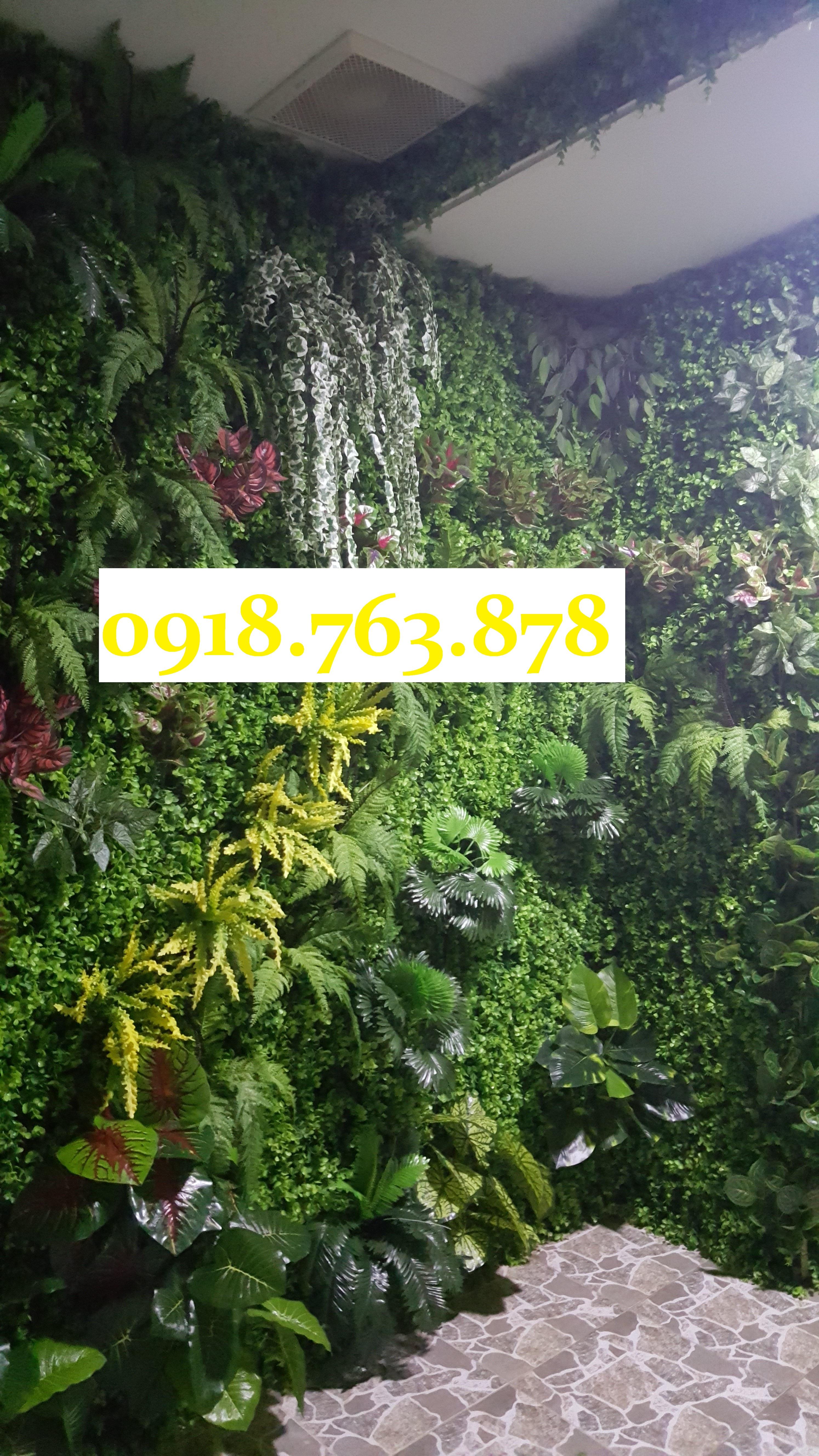 tường cây giả trang trí spa