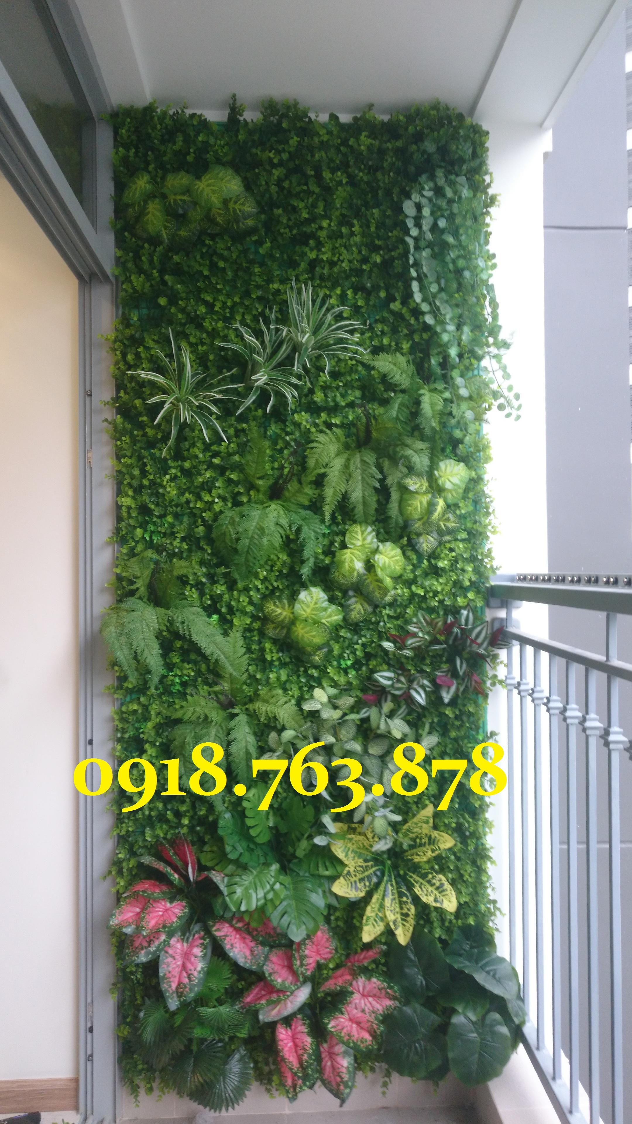 Chuyên thi công tường cây giả, tường cỏ giả, trang trí ban công