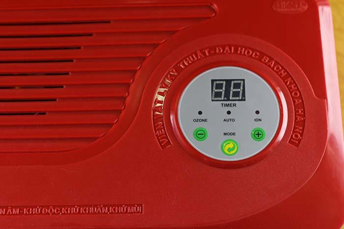 Bảng điều khiển của máy ozone dễ dàng sử dụng
