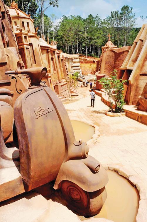 Khám phá đường hầm điêu khắc tại Đà Lạt