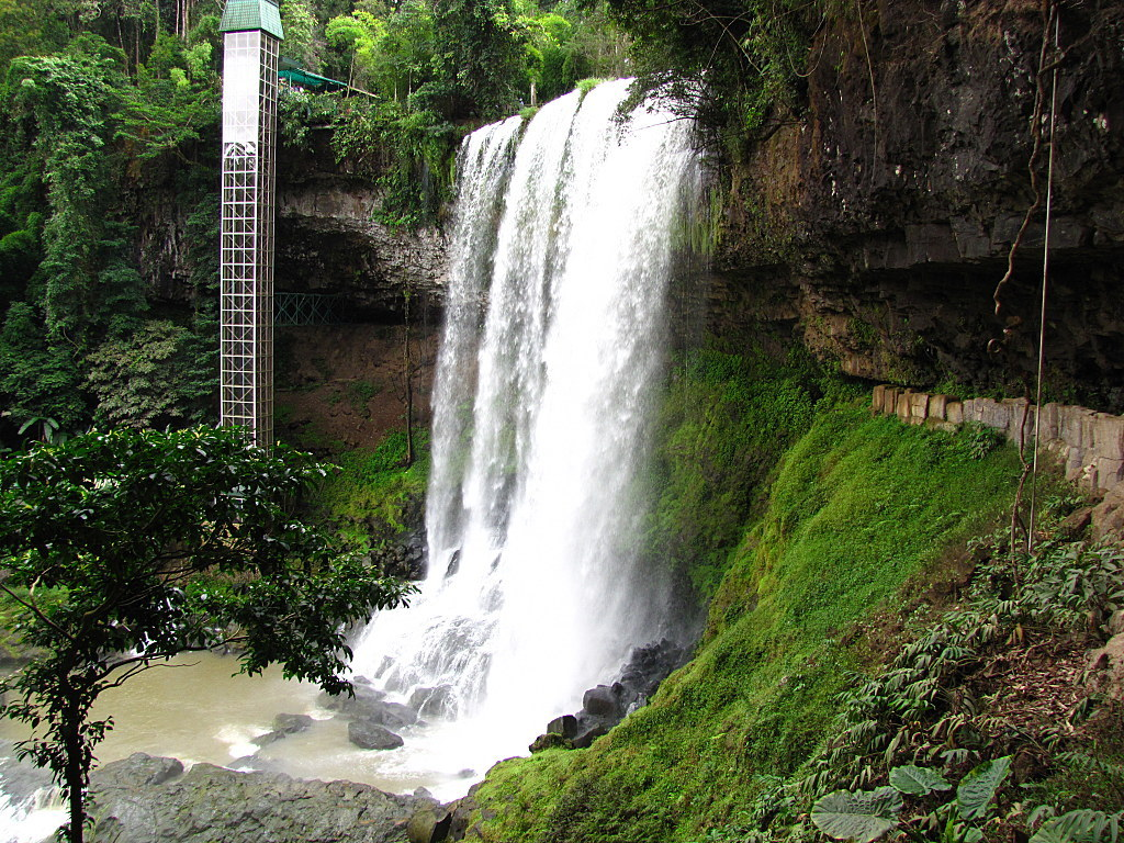 Điểm nhấn độc đáo của thác Dambri