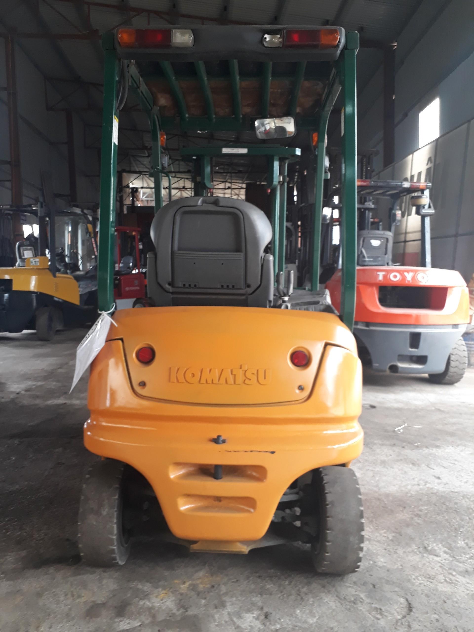 Xe nâng điện ngồi lái Komatsu FB15-12, 1.5 tấn, sx 2007