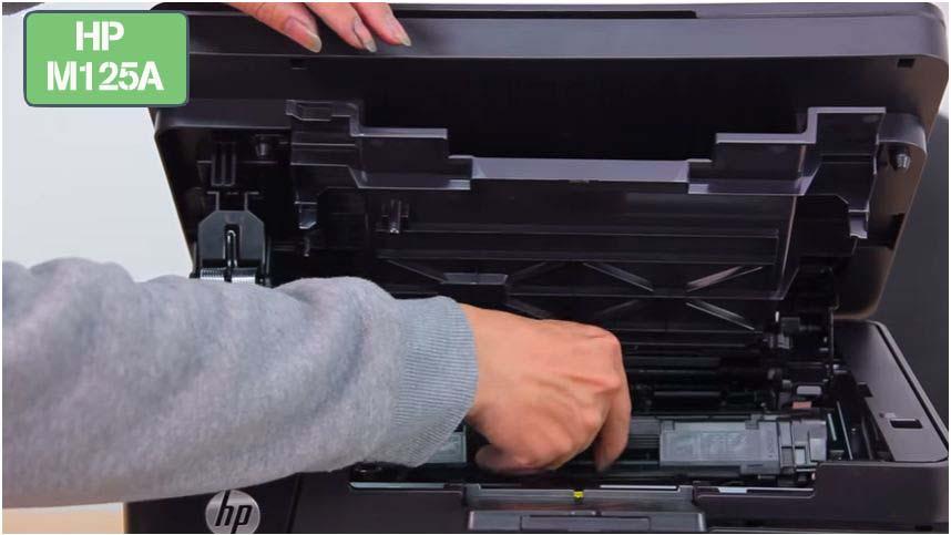lắp hộp mực máy in Hp m125a