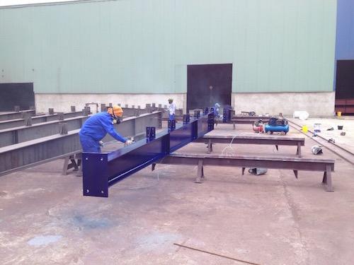 Bọc phủ cột kèo nhà xưởng bằng composite frp 2