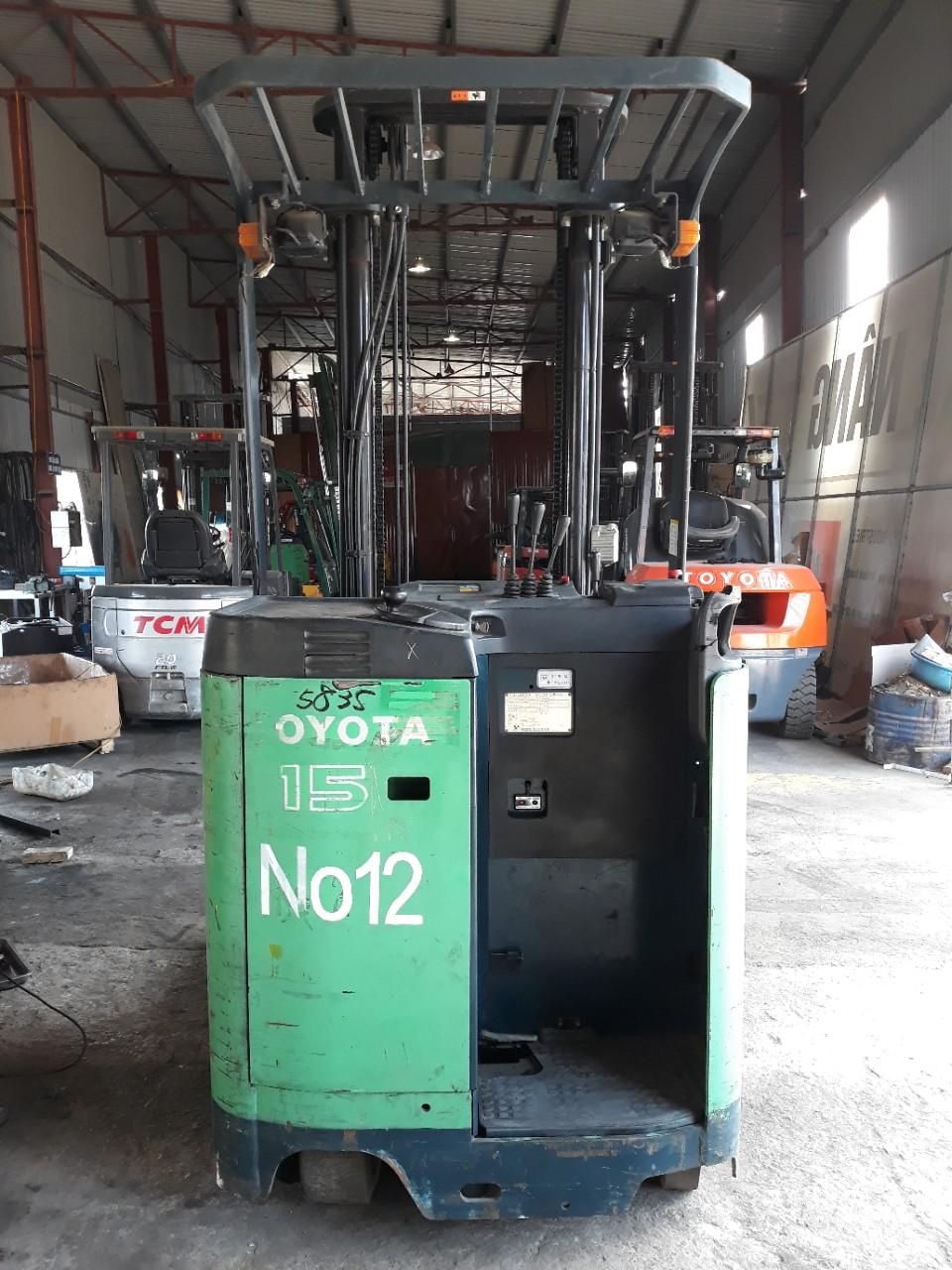 Xe nâng reach truck Toyota 1,5 tấn