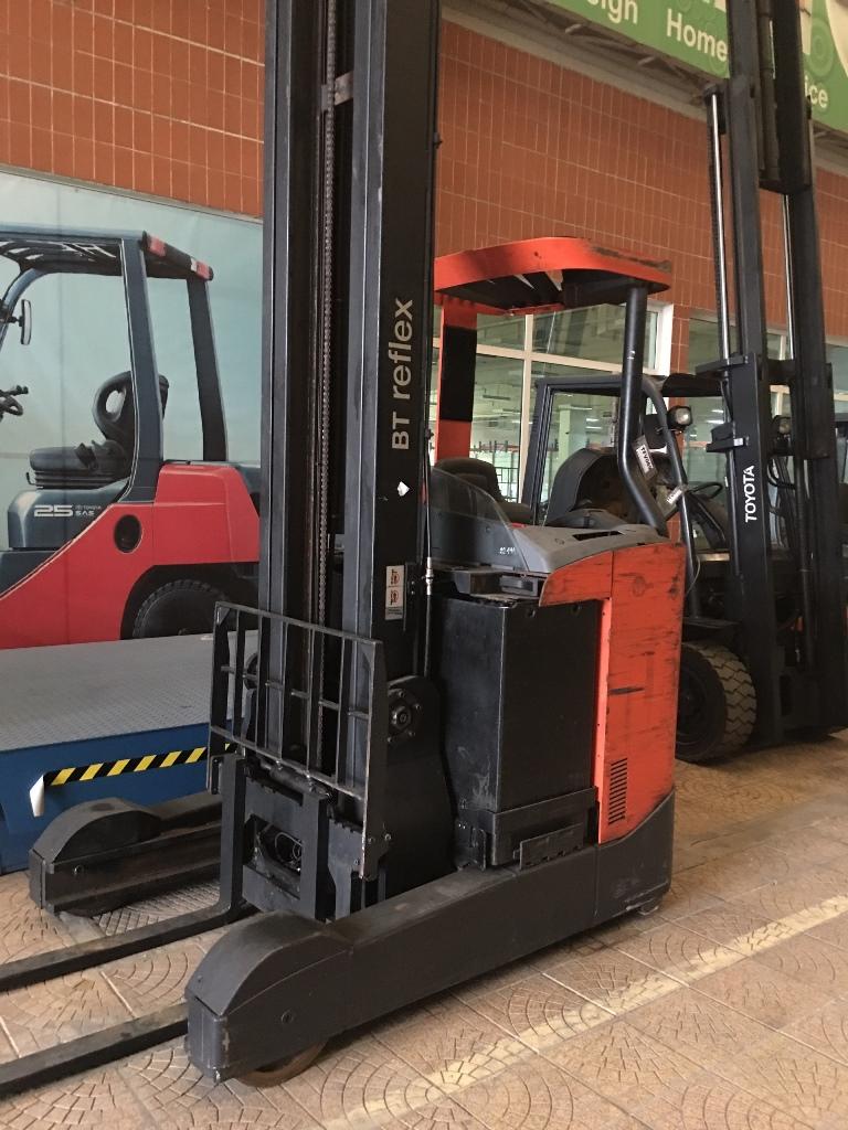 Xe nâng điện cũ BT RRE 180 C,sức nâng 1100kg, khung 3 tầng, nâng cao 10m, 2012, SK 6208313